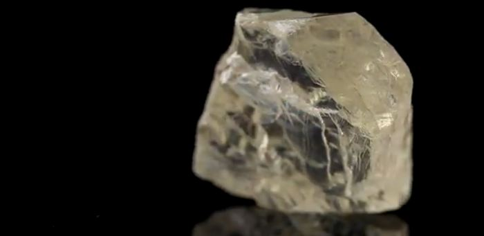 The 187.7-carat gem-quality rough diamond, known as The Diavik Foxfire, was recovered at the Diavik Diamond Mine, Northwest Territories. Source: Rio Tinto PLC